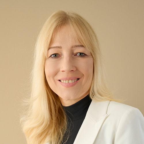 Dr. Claudia Hamm